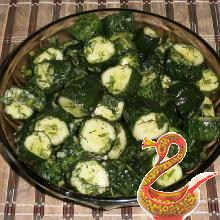 Dry salting of cucumbers in a package
